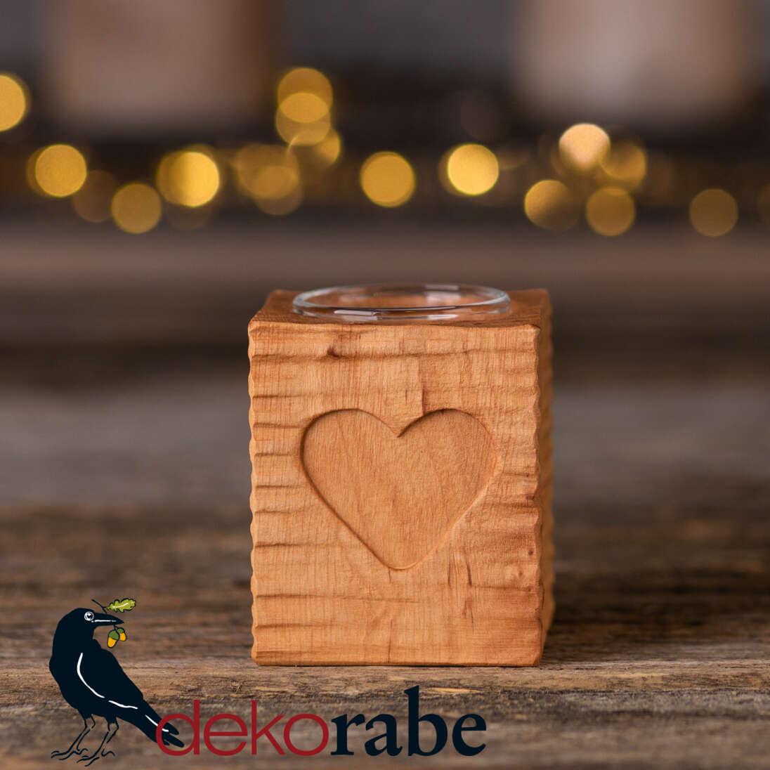 Kerzenhalter aus gerilltem Holz Erle, mit Motiv, inkl. Glas