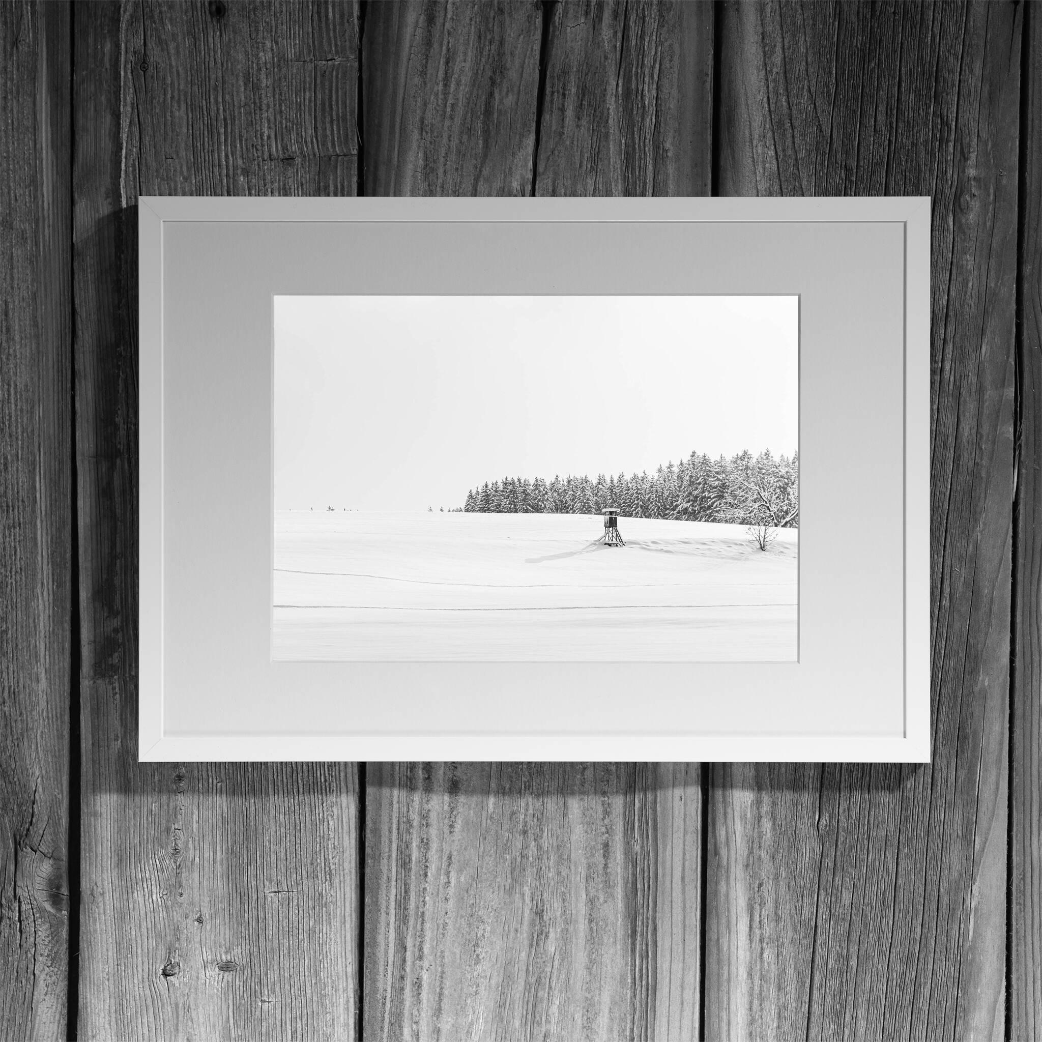 Winterlandschaft mit Ansitz Rahmen 'Riga' A3 mit Passepartout